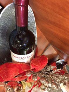 Ζαχαροπλαστείο Μελίνα Red Wine, Alcoholic Drinks, Bottle, Glass, Food, Liquor Drinks, Alcoholic Beverages, Drinkware, Flask
