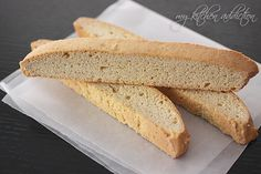 Vanilla Bean Biscotti (My Kitchen Addiction)