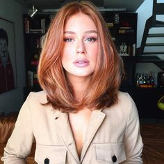 Long Bob Hairstyles for Thick Hair 2019 - Hair Styles For Women Over 40 - Frauen Haare Style Very Long Bob, Long Long Bob, Long Blond, Medium Hair Styles, Curly Hair Styles, Medium Red Hair, Medium Auburn Hair, Medium Length Cuts, Medium Length Hair Straight
