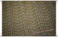 Il punto pavone ai ferri è uno dei punti della maglia più ricercati e più utilizzati per copertine, ma anche per capi di abbigliamento.