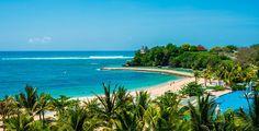 Di Nusa Dua Bali, ada kantor yang lokasinya dekat dengan pantai. Lokasi yang bagus sebagai ruang kerja nyaman dan menenangkan.  #kantor #crea