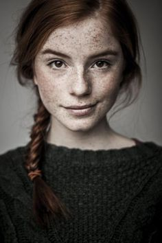 9. Darker redheads deserve all the love, too. This stunning natural beauty has a million dollar smile, subtle as