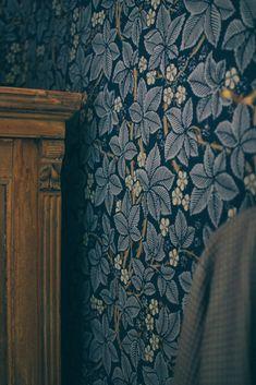 Villa Strömsfors and my 3 favorite rooms (Volang)- Villa Strömsfors och mina 3 favoritrumm (Volang) Villa Strömsfors and my 3 favorite rooms - Trendy Wallpaper, New Wallpaper, Interior Wallpaper, Morris Wallpapers, Floral Wallpapers, Motif Floral, Designer Wallpaper, Wallpaper Designs, Villa