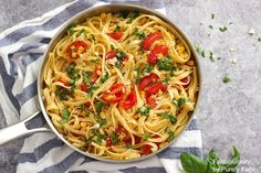 Fettuccine with Corn and Tomatoes is a delicious and light summer pasta recipe made with fresh ingredients straight from the garden or farmer's market. This pasta dish is easy to make with simple, real ingredients and can be ready in under 30 minutes!