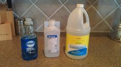 Homemade window cleaner aka Windex for less than $0.50 per gallon!