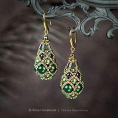 Изысканность в серьгах от мастераTatiana Poputnikova. #jewellery #design #goldearrings #happynewyear #bestgift #gift #dipart #ooak #handmade #jewelry #uniquejewelry #accessories #gold #naturalstone #wire #resin #серьгиручнойработы #ручнаяработа #серьги #украшениеручнойработы