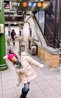 Guide to New York City with kids! - Skylar Aria's Adventures Holidays In New York, Nyc Holidays, Park In New York, Map Of New York, New York Christmas, Christmas Travel, Nyc With Kids, Travel With Kids, Horse Carriage Rides