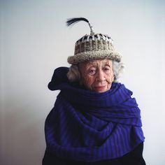purple narg via carl kleiner Aged To Perfection, Advanced Style, Ageless Beauty, Young At Heart, Beautiful People, Beautiful Women, Aging Gracefully, Old Women, Getting Old