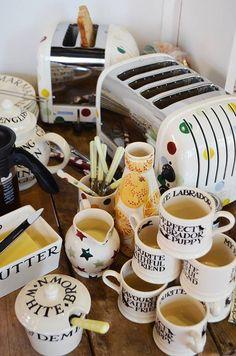 Emma Bridgewater Toast & Marmalade 2014 New Kitchen, Vintage Kitchen, Flavoured Green Tea, Emma Bridgewater Pottery, Kitchen Vignettes, Living In England, Pip Studio, Tea Party, Pottery Patterns