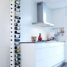 Olha esse suporte de vinho vertical, com capacidade para até 20 rótulos. Cabe em qualquer cantinho! #wine #vinho #instavinho #instawine #decor #decoracao