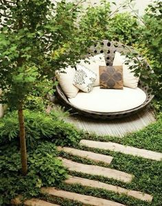 12 Outdoor Reading Spaces That Will Remind You of The Secret Garden