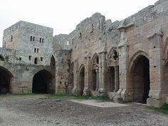 The amazingly well-preserved Krak Des Chevalier castle in western Syria was built by the Hospitalier Knights between 1142 and 1170. The knights were charged with the defense of the Holy Land during the First Crusade. A Sultan seized the castle in 1271, repaired some of the damage and replaced the chapel with a mosque. But the stunningly preserved fortress still looks much as it did in the 13th century.