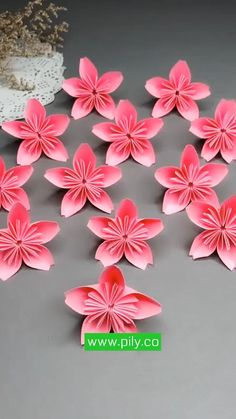 Cool Paper Crafts, Paper Crafts Origami, Origami Art, How To Do Origami, Fabric Origami, Diy Paper, Tissue Paper, Easy Crafts, Easy Origami Flower