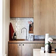 "Help Me Find a Kitchen Tile Similar to This Style! NOTE : Heath Ceramics has something similar. The ""Little Diamond"" pattern http://www.heathceramics.com/home/pages/tile-build/collections-brands/dwell-patterns-2"