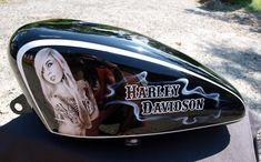 Réservoir Sportster Harley Davidson, garde boue av et ar, bac à huile. Tattoo girls