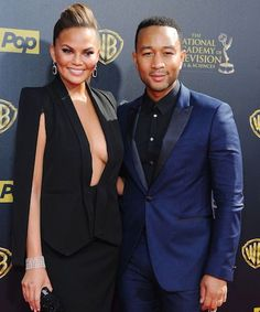 Chrissy Teigen was a TOTAL champ about this potentially disastrous wardrobe malfunction