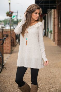 Charleston Charm Top, Oatmeal