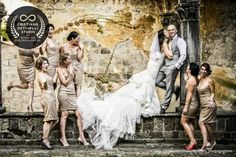 Wedding at Castello di Vincigliata, Florence, Tuscany - Cristiano Ostinelli Getting Married In Italy, Got Married, Italy Wedding, Most Romantic, Beautiful Couple, Trendy Wedding, Tuscany, Wedding Photos, Castle