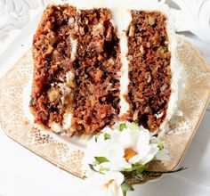The Cottage Market: Meatless Monday.Hoping that Grannies Vintage Carrot Cake Counts! Sweet Recipes, Cake Recipes, Dessert Recipes, Pastries Recipes, Yummy Recipes, Just Desserts, Delicious Desserts, Yummy Food, Yummy Treats