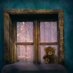 christmas-in-window.jpg (1650×1645)