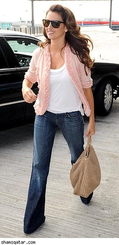 Penelope Cruz would look good in a burlap sack, but I like this outfit.