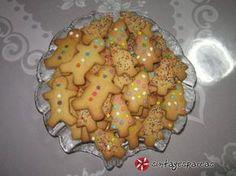 Χριστουγεννιάτικα μπισκότα με κανέλα και πορτοκάλι #sintagespareas #mpiskota Christmas Ham, Christmas Sweets, Christmas Cooking, Kai, Sweetest Day, Pastry Cake, Greek Recipes, Gingerbread Cookies, Food To Make