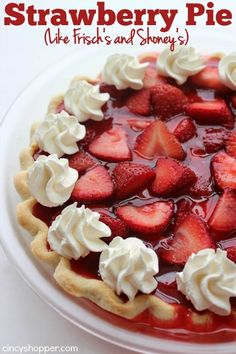 Strawberry Pie (Like Frisch's and Shoney's) Easy Strawberry Pie- Super Simple Frisch's or Shoney's Strawberry Pie. Oh so YUMMY!Easy Strawberry Pie- Super Simple Frisch's or Shoney's Strawberry Pie. Oh so YUMMY! Shoneys Strawberry Pie, Strawberry Dessert Recipes, Köstliche Desserts, Delicious Desserts, Alcoholic Desserts, Easy Banana Cream Pie, Homemade Jelly, Pie Dessert, Cooking Recipes