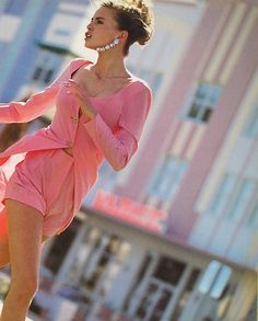 """""""Rosa"""", Vogue Italia, April 1991  Photographer: Arthur Elgort  Model: Niki Taylor"""