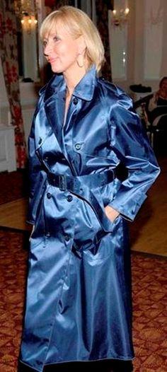 Raincoats For Women Green Key: 3896125103 Blue Raincoat, Hooded Raincoat, Mackintosh Raincoat, Rain Fashion, Women's Fashion, Ladies Fashion, Satin Coat, Rubber Raincoats, Rain Jacket Women