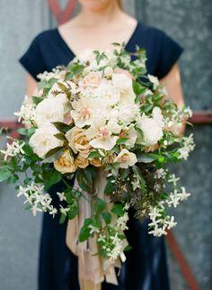 Autumn wedding bouquet - Wedding Colours, Wedding Themes, Wedding colour palettes