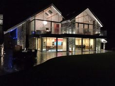 house-at-grasmere-front-at-night_640x480.jpg 640×480 pixels