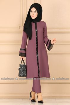 Fashion Dresses For Kids Beautiful Modern Hijab Fashion, Muslim Women Fashion, Abaya Fashion, Modest Fashion, Fashion Outfits, Dress Outfits, Pakistani Formal Dresses, Pakistani Dress Design, Indian Designer Outfits