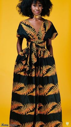 afrikanische kleider African print dresses can be styled in a plethora of ways. Ankara, Kente, & Dashiki are well known prints. See over 50 of the best African print dresses. African Print Dresses, African Dresses For Women, African Attire, African Wear, African Women, African Prints, African Style, African Inspired Fashion, African Print Fashion