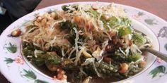 "Menikmati ""Bulung"" - Makanan Favorit Wisatawan Pantai Serangan Bali - http://keponews.com/2014/11/menikmati-bulung-makanan-favorit-wisatawan-pantai-serangan-bali/ #Bali, #Bulung, #MakananKhas"