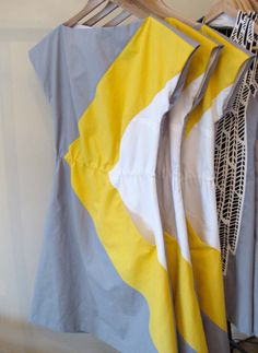 grey & yellow asymmetrical color block dress by etsy artist Cristina Pires True Colors dress (you can customize the colors! Sweet Style, Style Me, Cute Dresses, Cute Outfits, Flower Dresses, Do It Yourself Fashion, Colorblock Dress, Refashion, Dress Patterns