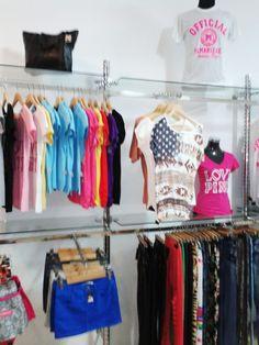 Lote Mobiliario tienda ropa señora ref. 2ERM  Venta de mobiliario de segunda mano para tiendas. Escaparatismo, decoración comercial buscoescaparate.com