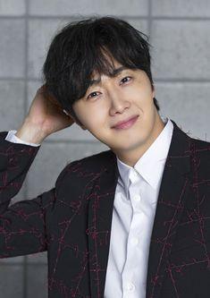 Jung Il Woo, Lee Jung, Asian Actors, Korean Actors, Cinderella And Four Knights, Ahn Jae Hyun, Seo Kang Joon, Kdrama Actors, Beautiful Smile