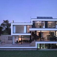 Maison sur plusieurs niveaux Aalen, Allemagne La difficulté de cette construction n'a pas porté sur la structure en elle-même mais sur son support. En effe