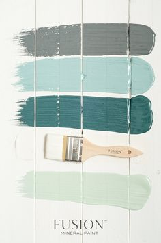 Great Fusion Mineral Paint colour combinations. Here are the colour names, starting at the top: Soapstone, Heirloom, Homestead Blue, Raw Silk and Inglenook.