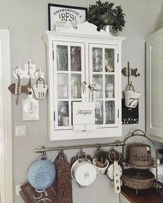 Keittiön nurkkaus♡ #keittiö #kök #rivieramaison #rivieramaisonlove #paradisetinterior #passion4interior #inspiration #interiør #inspiroivakoti #interior123 #interior125 #interior444 #interior4all #interior4you #wonderfulrooms #ninterior #interior9508 #finahem #finehjem #dreaminteriors #hem_inspiration #interiorstyled