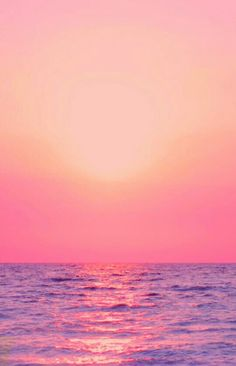 Palm trees and ocean breeze: Photo Beautiful Sunset, Beautiful Places, Pink Sunset, Pink Ocean, Ocean Sunset, Summer Sunset, Summer Beach, I Love The Beach, Palm Trees