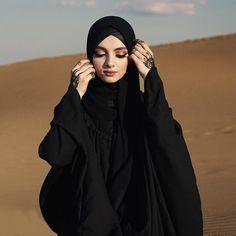 ZAFUL offers a wide selection of trendy fashion style women's clothing. Arab Hijab, Hijab Dp, Hijab Chic, Hijab Hipster, Beautiful Iranian Women, Beautiful Hijab, Beautiful Dresses, Hijabi Girl, Girl Hijab