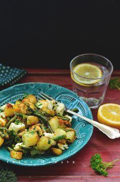Halloumi, Low Calorie Recipes, Sprouts, Potato Salad, Potatoes, Vegetables, Ethnic Recipes, Food, Skinny Recipes