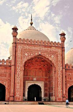 Lahore - Shahi Masjid - Entrance III by zishsheikh, via Flickr