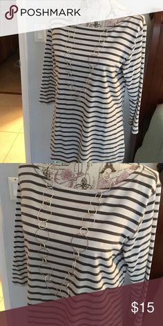 Cute striped top This is a really cute top with gray and white stripes by J Jill with a little stretch. So comfy with a nice pair of jeans. J Jill Tops Tees - Long Sleeve