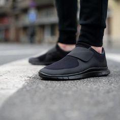"""《買一送一》Nike Free Socfly """"魔鬼粘""""無鞋帶輕量化 情侶馬拉松鞋"""