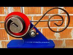 (106) Сделай сам металлический скролл Бендер - YouTube Metal Bending Tools, Metal Working Tools, Metal Tools, Diy Outdoor Furniture, Metal Furniture, Welding Design, Metal Bender, Welding And Fabrication, Welding Table