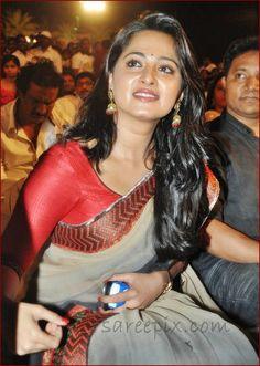 Anushka_shetty_in_green_saree_at_Mirchi_movie_audio_launch