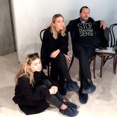 Mary Kate Ashley, Mary Kate Olsen, Elizabeth Olsen, Ashley Olsen Style, Olsen Twins Style, Olsen Sister, Fashion Essentials, Style Essentials, Mode Inspiration