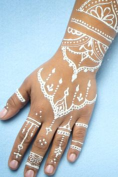 This 60-Second Henna Video Is Absolutely Mesmerizing